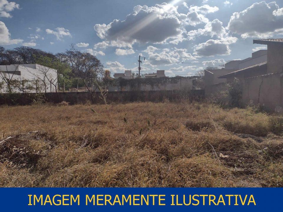 TRT15 - V Pirassununga - SP. Terreno na Rua Albino Barbirato, Jardim Rosim, Pirassununga - SP.